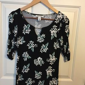 WHBM Floral Top w/ Crouched Sleeves